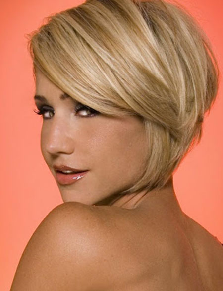 25 Short Bob Hairstyles for Ladies_10