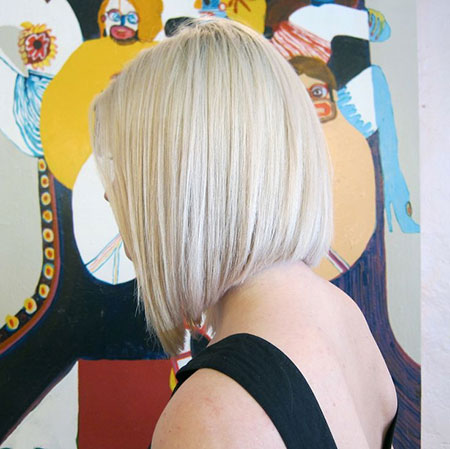 25 Short Bob Hairstyles for Ladies_19