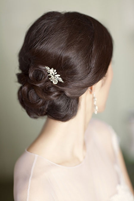 19 Hairstyles for Brides_2