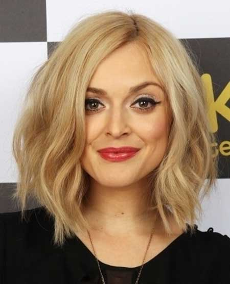 Side Parted Wavy Long Bob Haircut