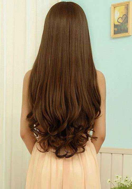 Hairstyle with Curly Ends