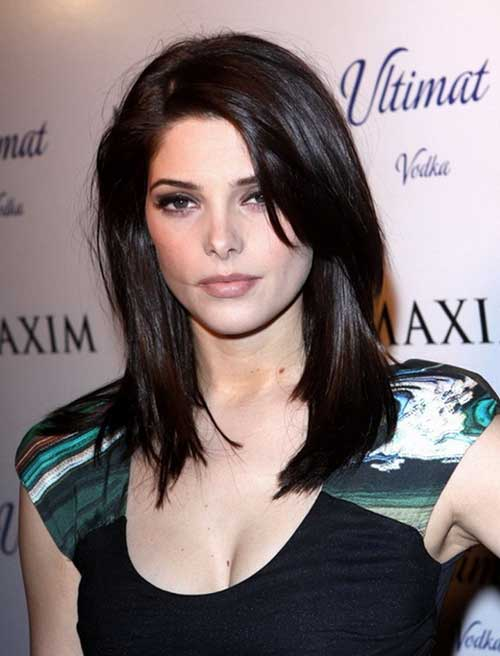 Ashley Greene Medium Hairstyles for Round Faces