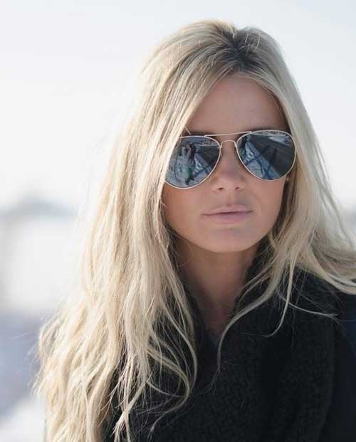 Model 25 Effortlessly Chic Long Wavy Hairstyle For Girls