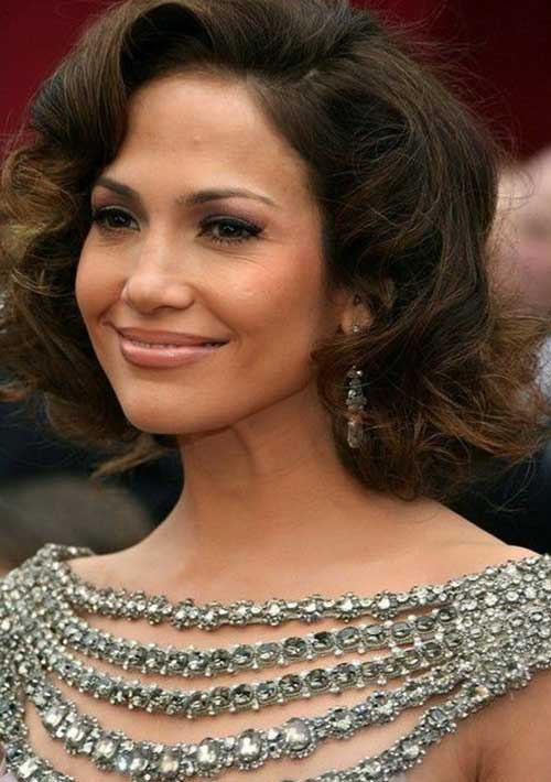 Jennifer Lopez Curly Hair for Women Over 40
