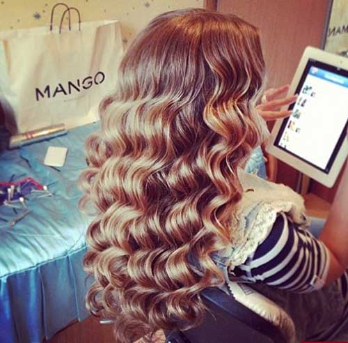 Wand Curls Hairstyle