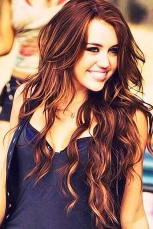 Miley Cyrus Wavy Hairstyles for Long Hair