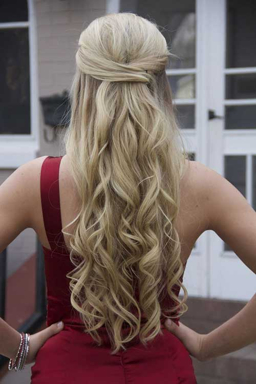 Best Blonde Long Wavy Prom Hairstyle