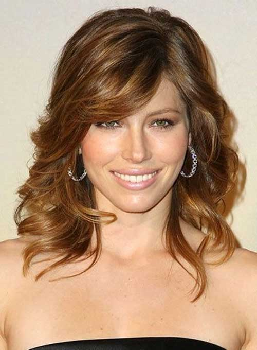 Best Classy Curly Hair with Side Bangs