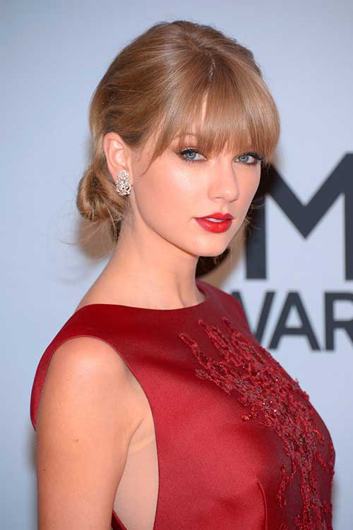 Taylor Swift Easy Updo Hairstyles for Medium Length Hair
