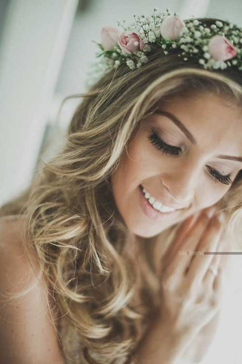 Cute Hairstyles for Beach Wedding