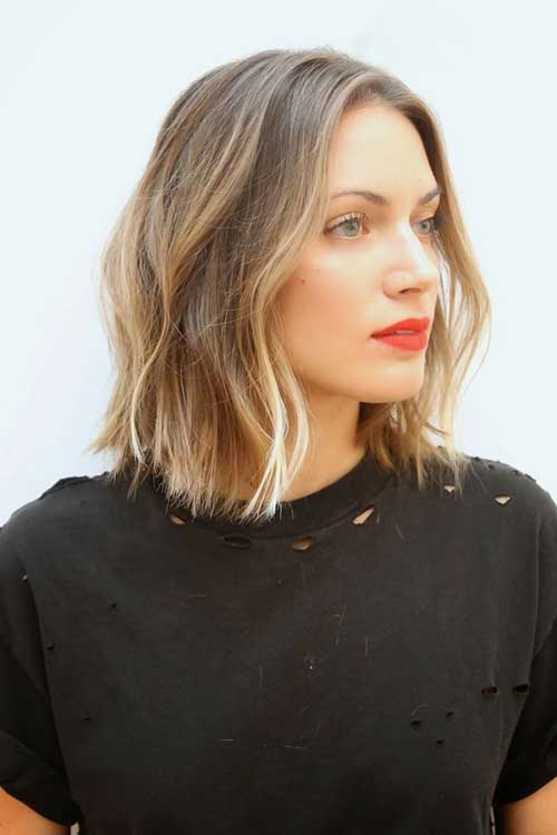 Hairstyles for Medium Wavy Bob Hair