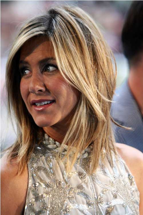 Jennifer Aniston Layered Medium Hairstyles