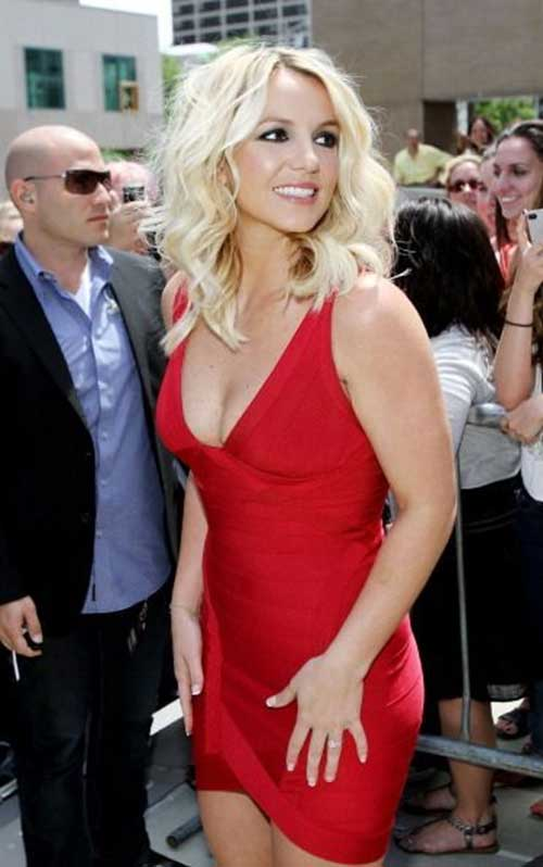 Britney Spears Medium Length Haircuts for Wavy Hair
