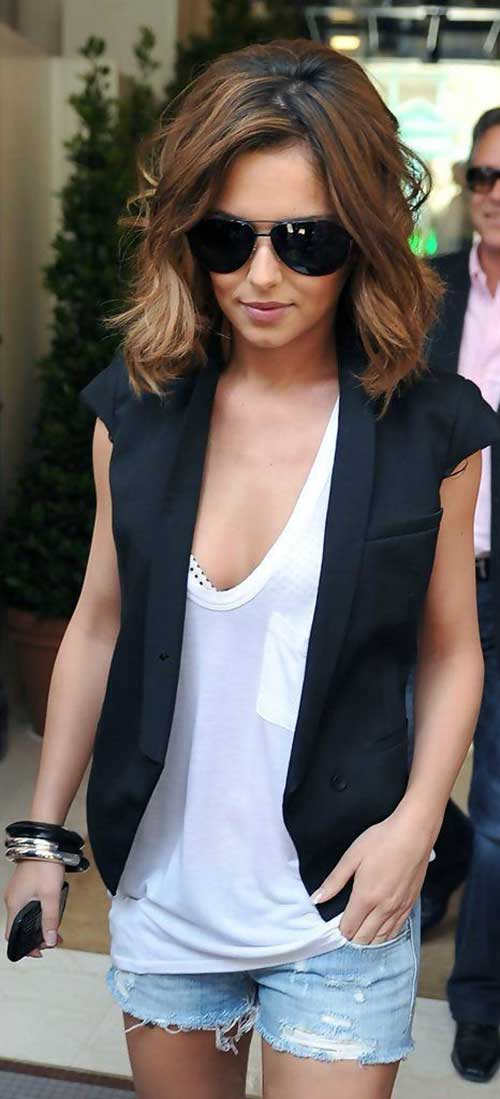 Celeb Medium Short Layered Haircuts