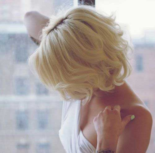 Cute Wavy Blonde Bob Hairstyles for Women