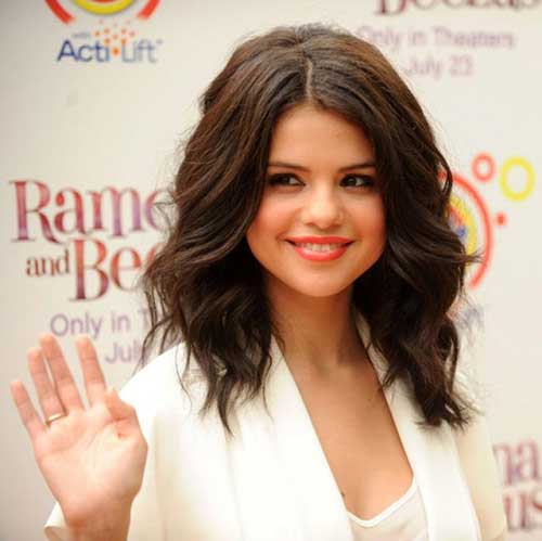 Selena Gomez Medium Hairstyles