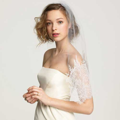 Cute Wavy Short Hair for Bridal Women