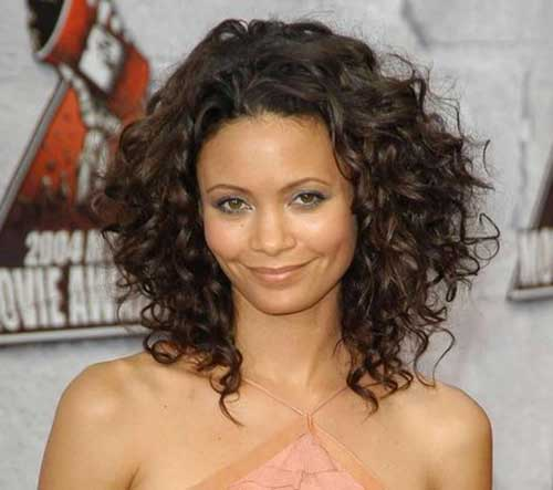 Curly Layered Hairstyles-24