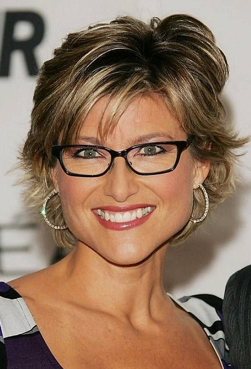 Hairstyles for Women with Glasses-17
