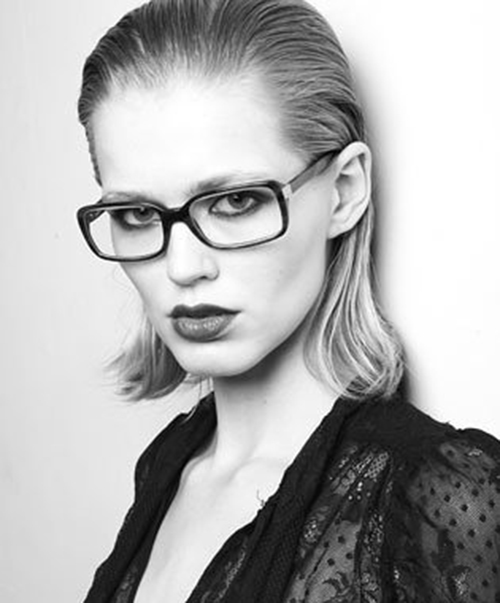Hairstyles for Women with Glasses-18