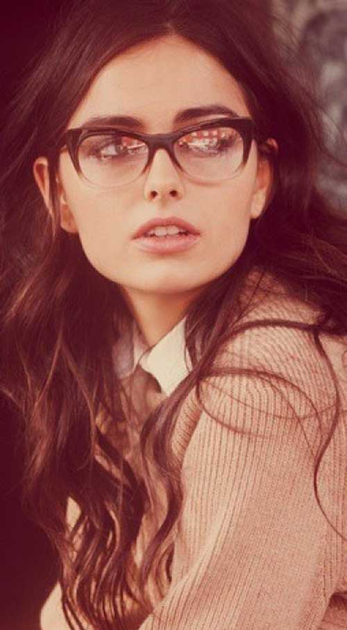 Hairstyles for Women with Glasses-20