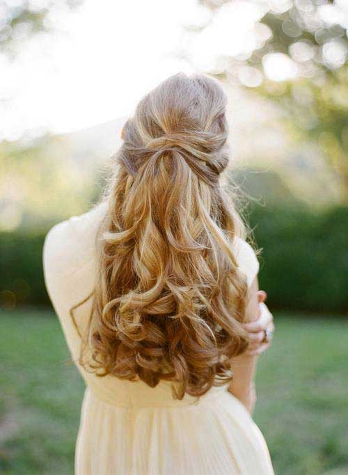 Best Down Hairstyles with Curly Ends for Prom