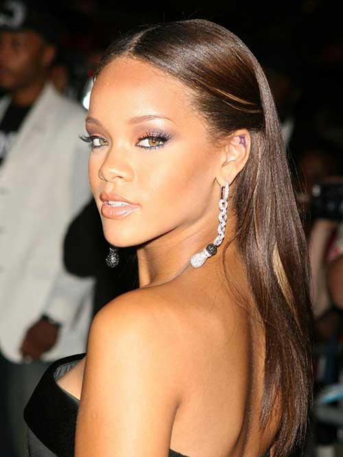 Nice Rihanna Long Hairstyle