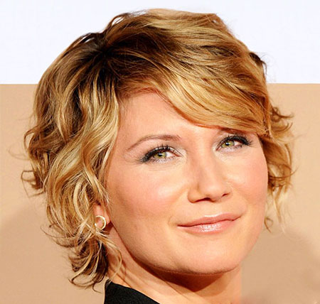 Great Short Curly Haircut Ideas for Round Faces | Hairstyles ...