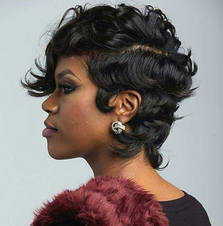 Short Hairstyles for Black Woman - 11