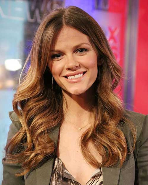 Light Golden Brown Hair for Oval Face