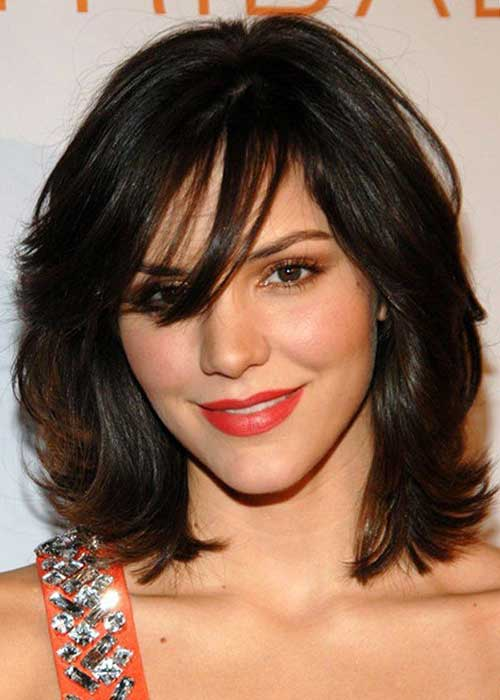 Medium Length Round Faces Hairstyles For Thick Hair