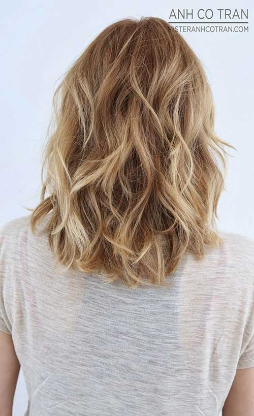 Medium Wavy Hairstyles Back View