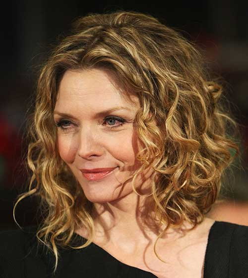 Michelle Pfeiffer Curly Hair Older Women