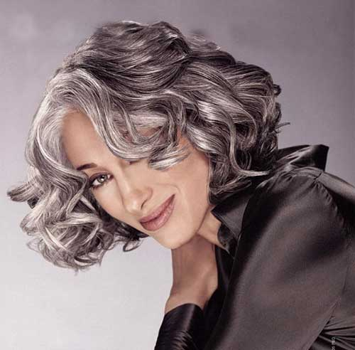 Best Wavy Short Hairstyles Older Women