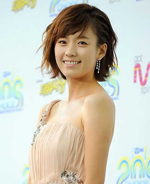Asian Hairstyles for Round Faces-11