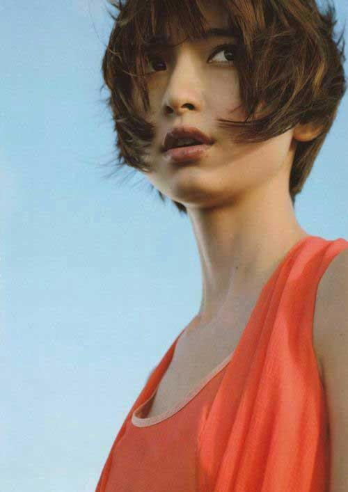 Asian Hairstyles for Round Faces-17