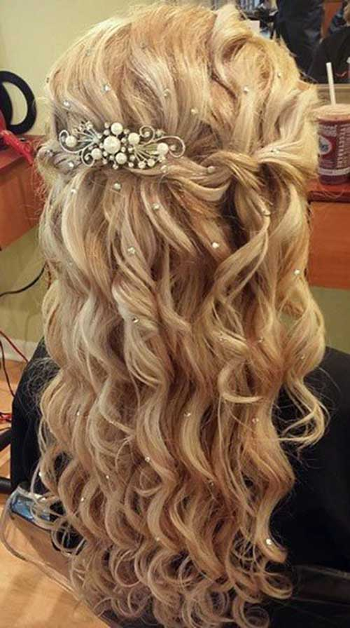Party Hairstyles for Curly Hair-15