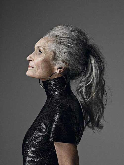 Hairstyles for Older Women-11
