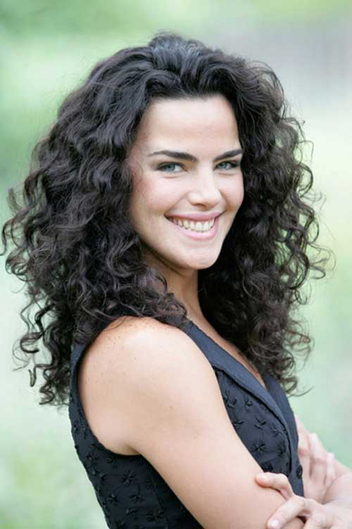 Long Layered Curly Haircuts-21