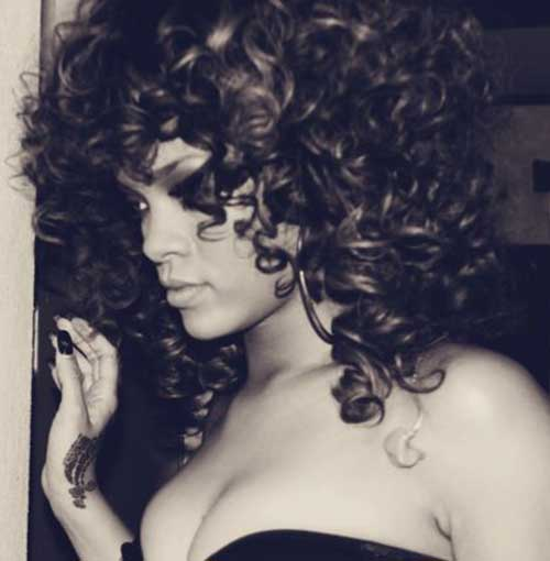 Rihanna Long Curly Hairstyles