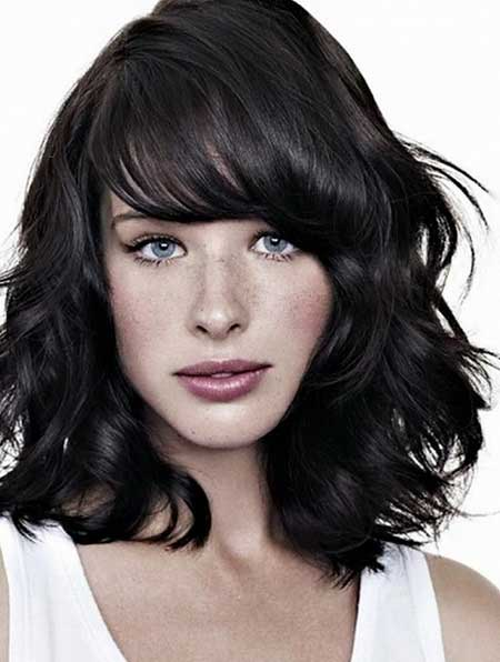 15 pics of medium length hairstyles with bangs and layers search urmus Gallery