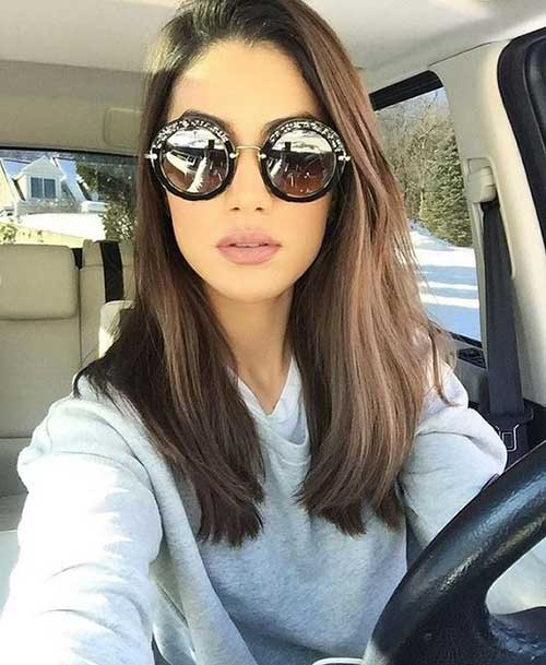 Medium Haircuts for Women-9