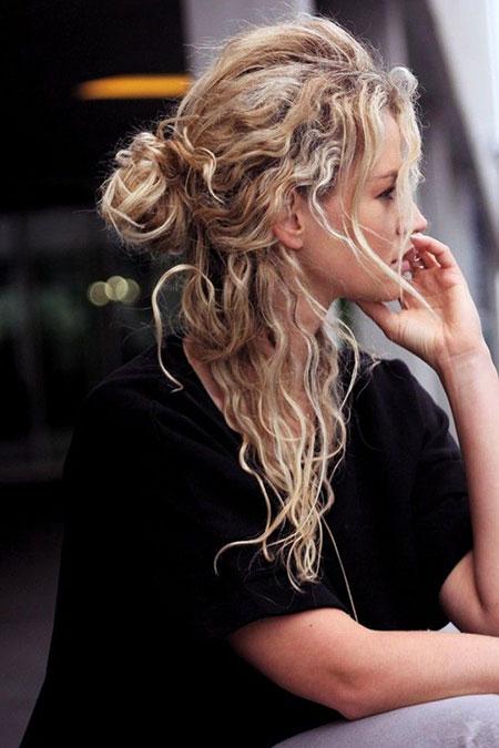 Curly Hair Natural Bun