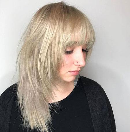 Medium Layered Hair Blonde