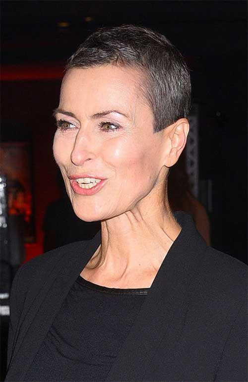 Short Pixie Haircuts for Women-14