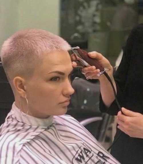 Short Pixie Haircuts for Women-6