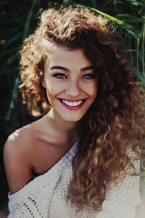 10 Best Curly Hairstyles