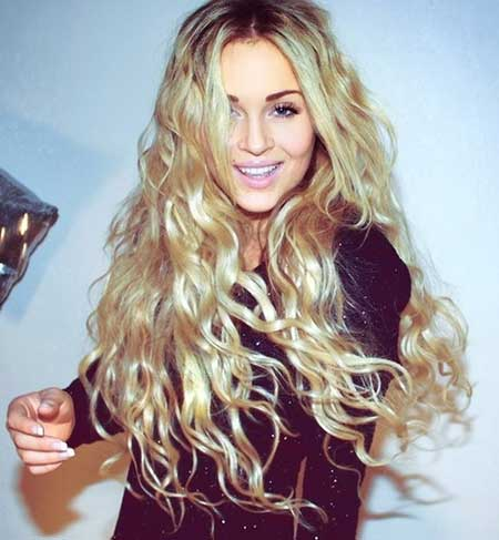 20 Best Curly Hairstyles_17