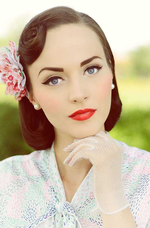 Vintage Stylewith Flower Accessories