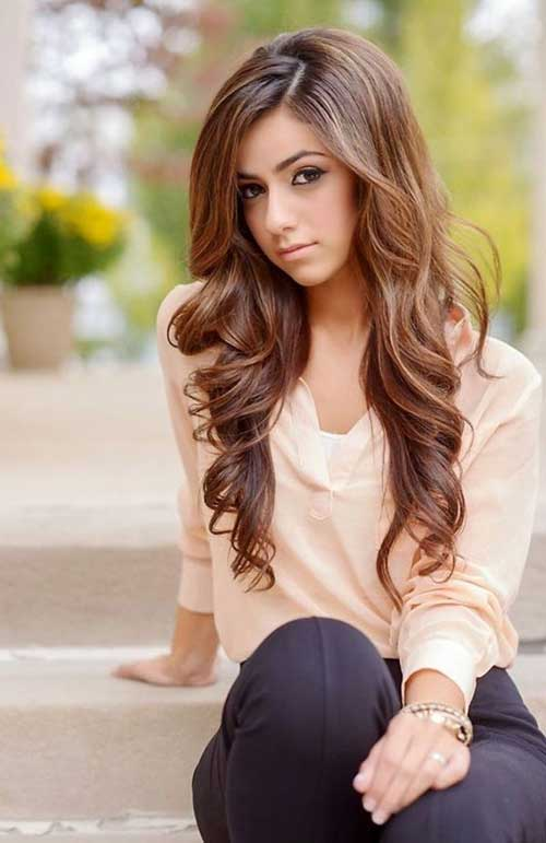 Hairstyles for Long Wavy Teenage's Hair